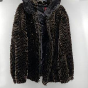 Gallery Woman Faux Fur Hooded Coat.